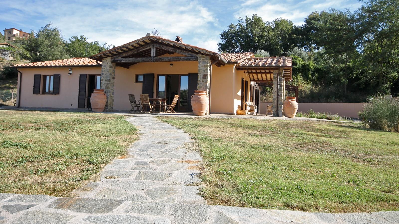 Toscana grosseto arcidosso villa con piscina in vendita for Toscana house