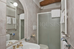 Historic apartment for sale Bagno Vignoni | House and Houses