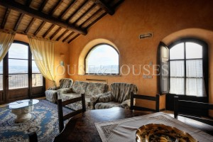 Tuscany, Siena, farmhouse on sale-Rif. 925-