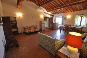 Tuscany, Montalcino farmhouse for sale -Az.222